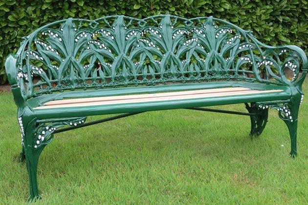 Antique benche