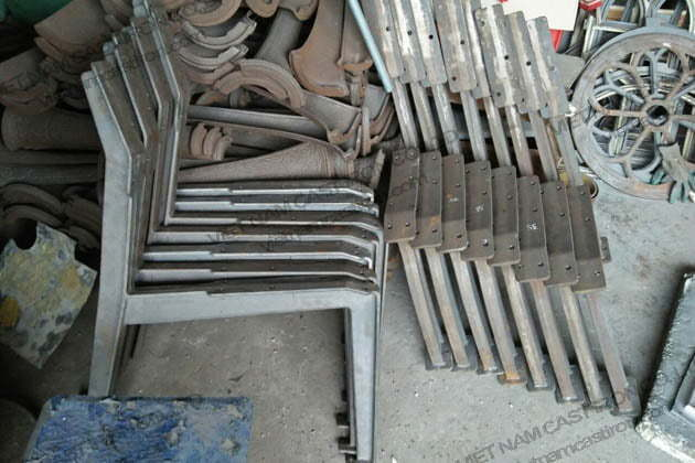 Cast iron benchs are produced by Vietnam Cast Iron Company