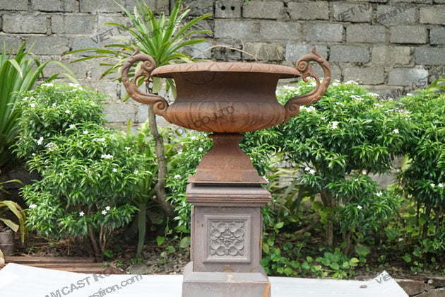 Cast iron urn planters are produced by Vietnam Cast Iron