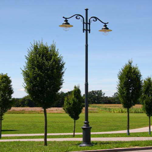 VIC LP16 lamp post
