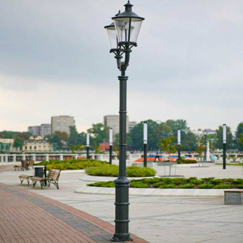 VIC LP22 lamp post