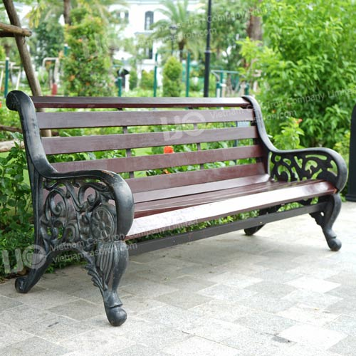 B09 Cast Iron Park Bench