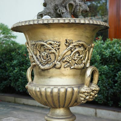 Cast iron Rust Urn Planter