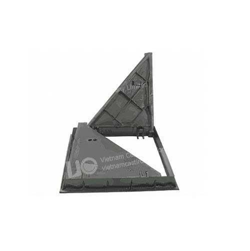 Ductile iron triangular service manhole cover 870x870 opening