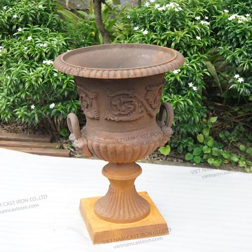 UP01 Cast Iron Urn Planter