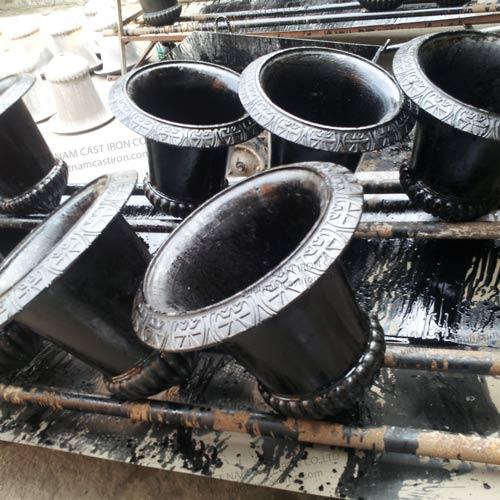 UP02 Cast Iron Urn Planter