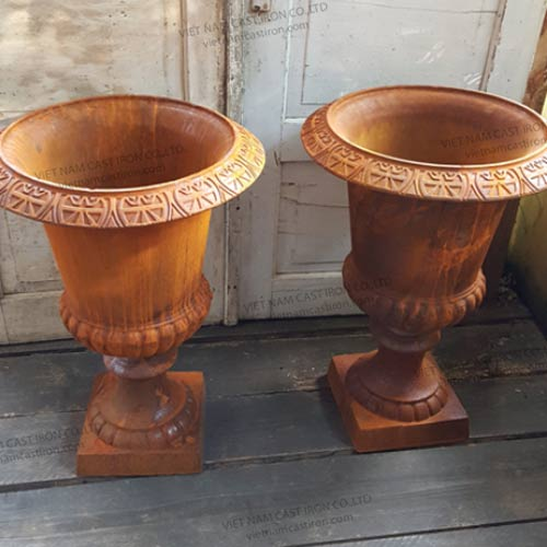 UP02 Cast Iron Urn Planter