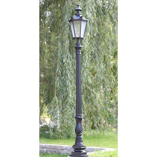 VIC LP29 lamp post