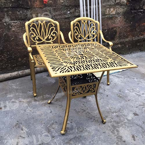 Aluminum Casting Square table outdoor furniture dining set