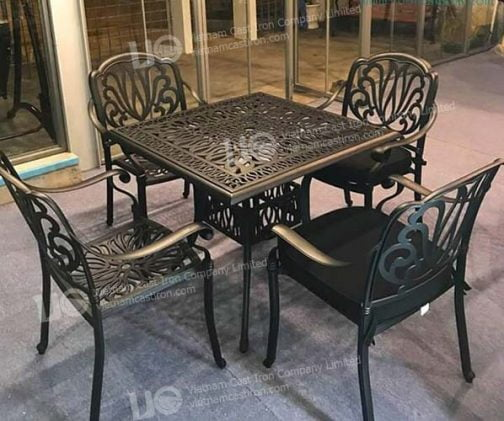 Cast Aluminum 5 Piece square table patio dining set