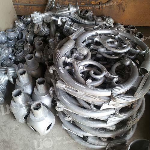 Cast aluminum lamp post accessories