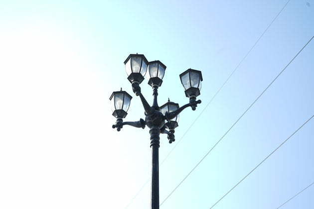 Queen crown lamp post head