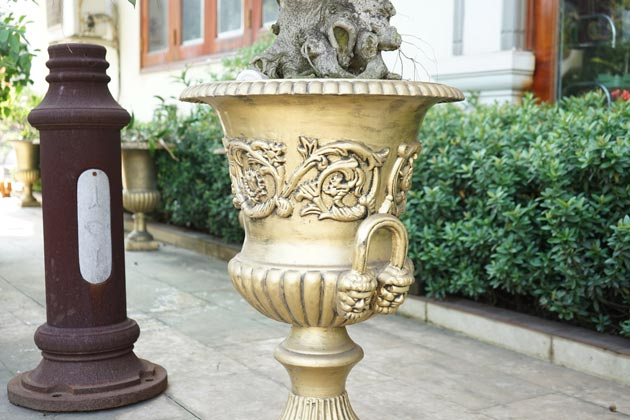 Cast iron vase for garden made in Vietnam