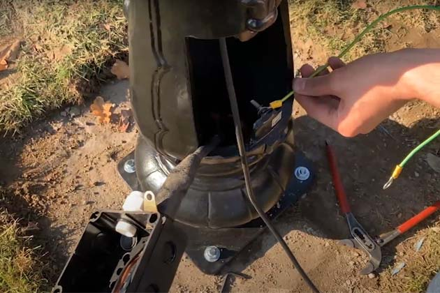 Connect the wiring to lamppost